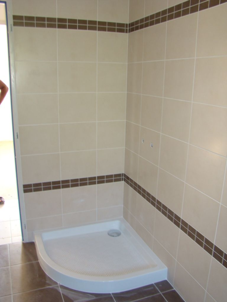Maison villefranche for Photo carrelage salle de bain